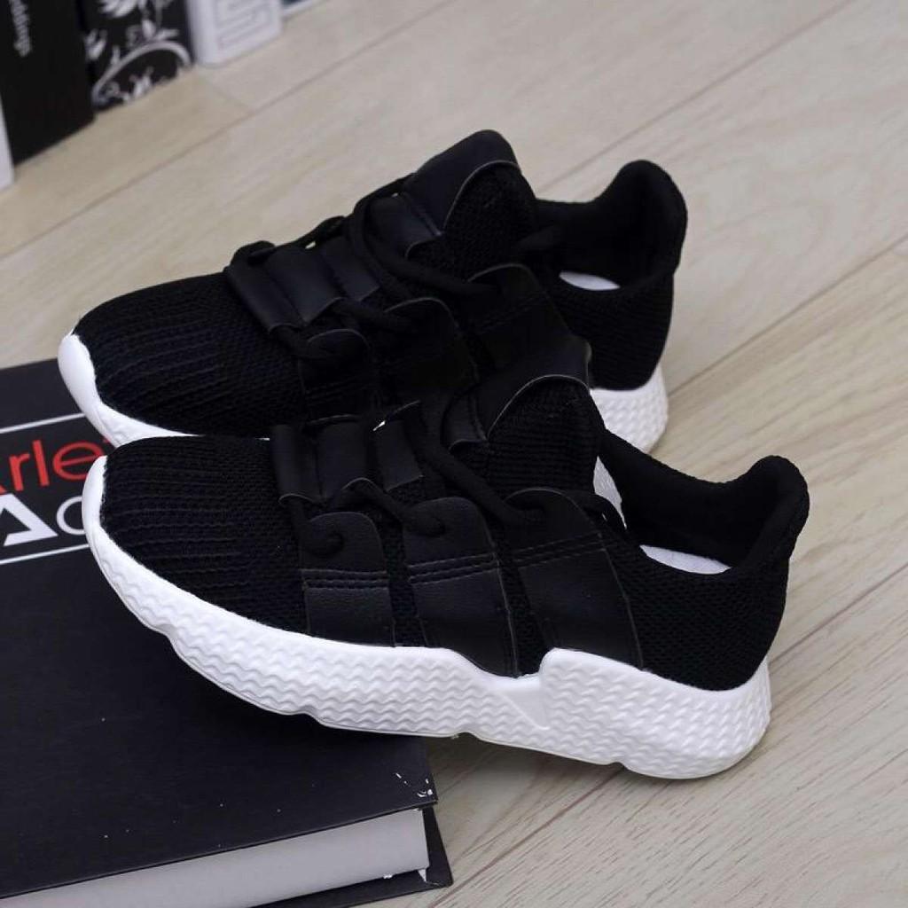 รองเท้าผ้าใบ รองเท้าผู้หญิง คัชชู แฟชั่นเกาหลี New Fashion รุ่น 1103 (สีดำ)