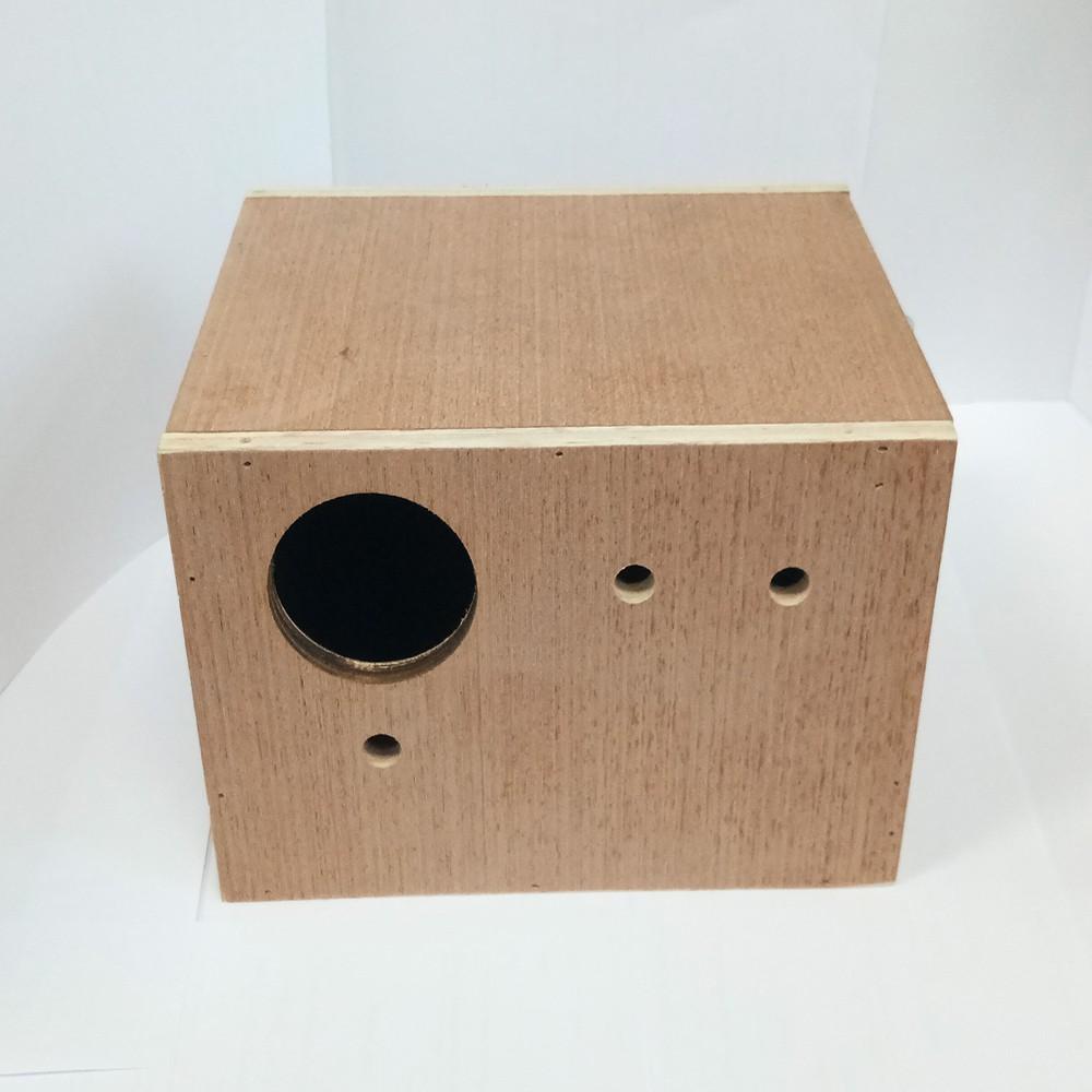 กล่องเพาะนกหงษ์หยก กล่องนก