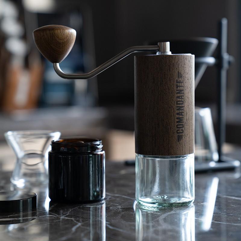 เครื่องชงกาแฟเครื่องบดกาแฟแบบใช้มือทำงาน Comandante C40 Commander ของเยอรมันเครื่องบดกาแฟแบบใช้มือเดียวสินค้าสไตล์อิตาลี