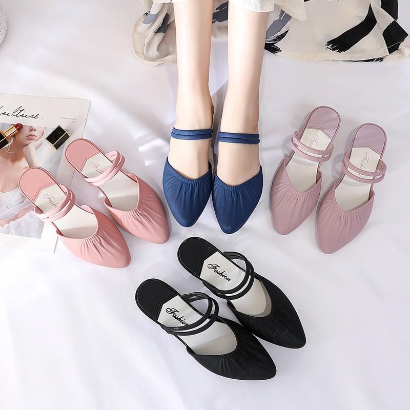 รองเท้าส้นแบนผู้หญิง รองเท้าแตะ พร้อมส่ง8304 หัวแหลมรัดข้อรองเท้าคัชชูหัวแหลม ส้นเตี้ย แต่งสายรัดข้อ