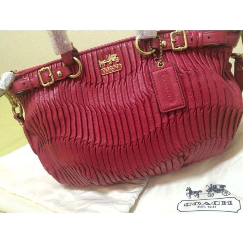 กระเป๋า Coach กระเป๋าหนังแท้ กระเป๋าหนังสีแดง พร้อมถุงผ้า Coach