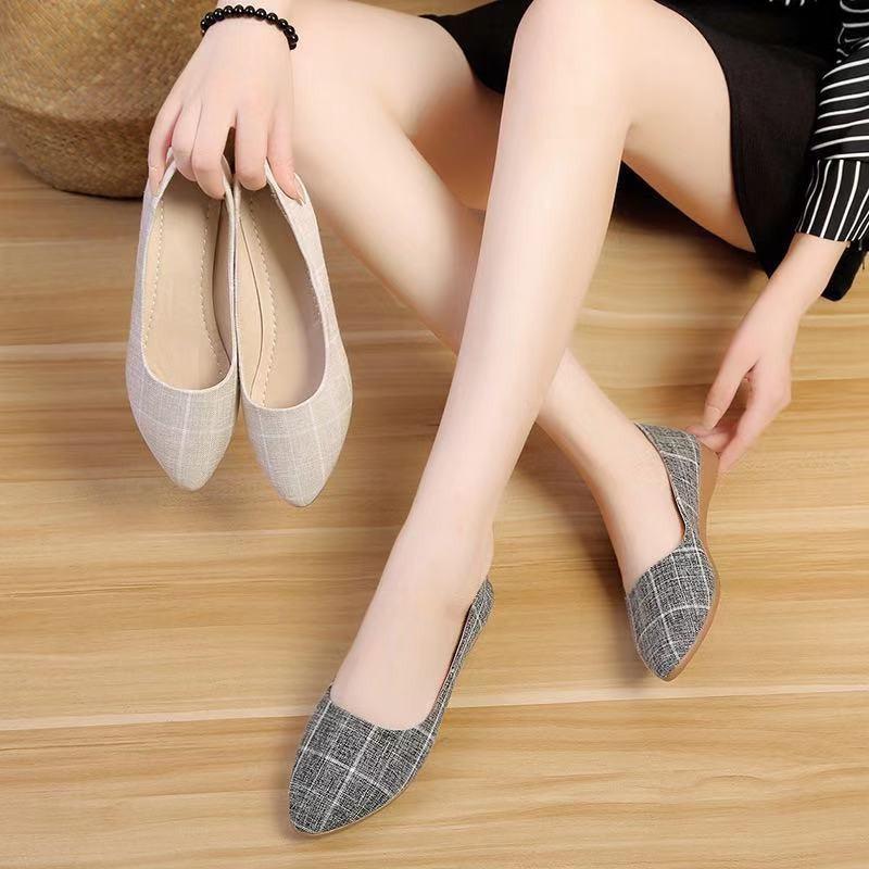 รองเท้าหัวแหลม รองเท้าผู้หญิง รองเท้าแฟชั่น รองเท้าส้นแบนหัวแหลม รองเท้าคัชชู ส้นเตี้ย รองเท้าคัชชู พื้นนิ่ม✨