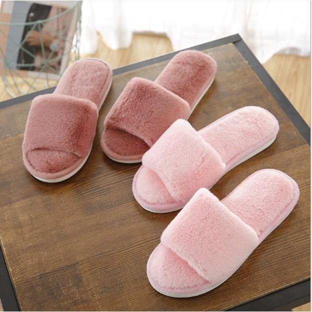 รองเท้าขนนิ่ม รองเท้าขนนุ่ม รองเท้าเดินในบ้าน รองเท้ากันลื่น.