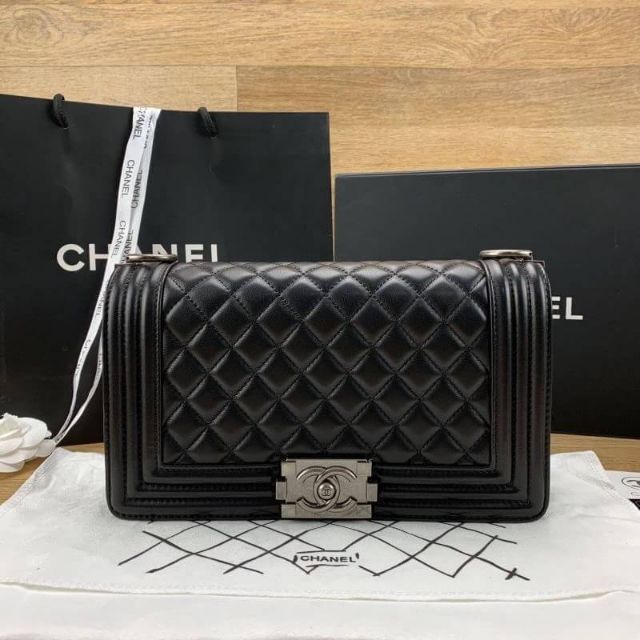 Chanel boy Grade original