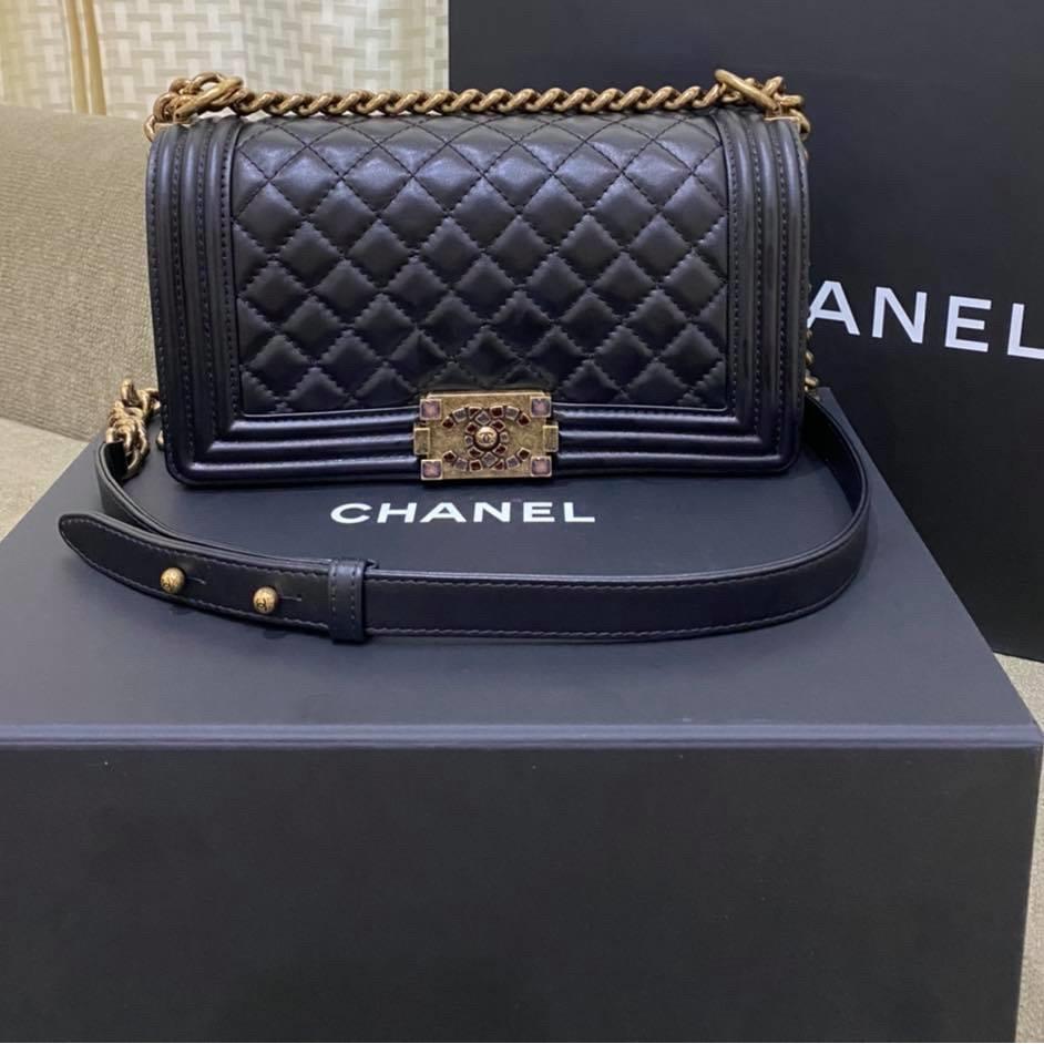 """Chanel Boy 10"""" คาเวียร์ดำ โซ่ทอง รุ่นลิมิเต็ด Holo 30 ของแท้ 100% มีใบเสร็จ"""