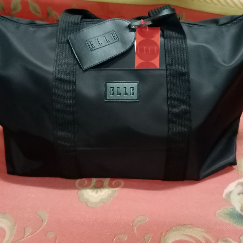 กระเป๋าเดินทางยี่ห้อ ELLE ถือหรือสะพายก็ได้