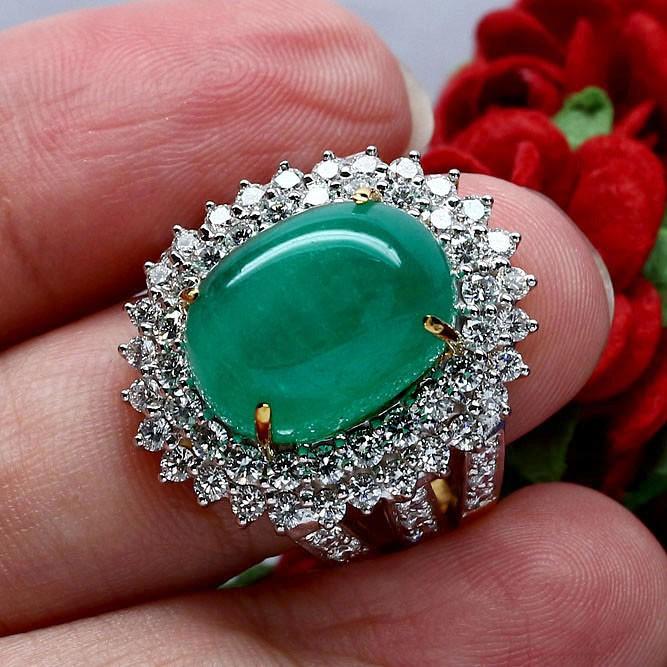 แหวนทองแท้ 18k 90% น้ำหนักทอง 17.88g. - พลอยมรกตแท้ธรรมชาติ 14.5กะรัต จากโคลัมเบีย 11x15mm เพชรแท้ 2.3กะรัต 68เม็ด
