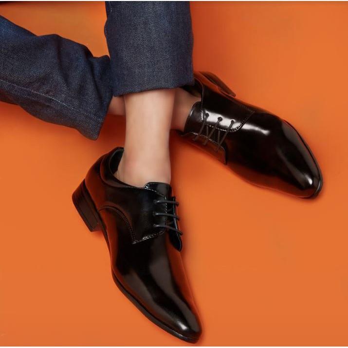 <<<<ฟรีค่าจัดส่ง>>>> Kim&Co. รองเท้าหนัง รองเท้าคัชชู ผู้ชายสีดำ แบบผูกเชือก รุ่น K002