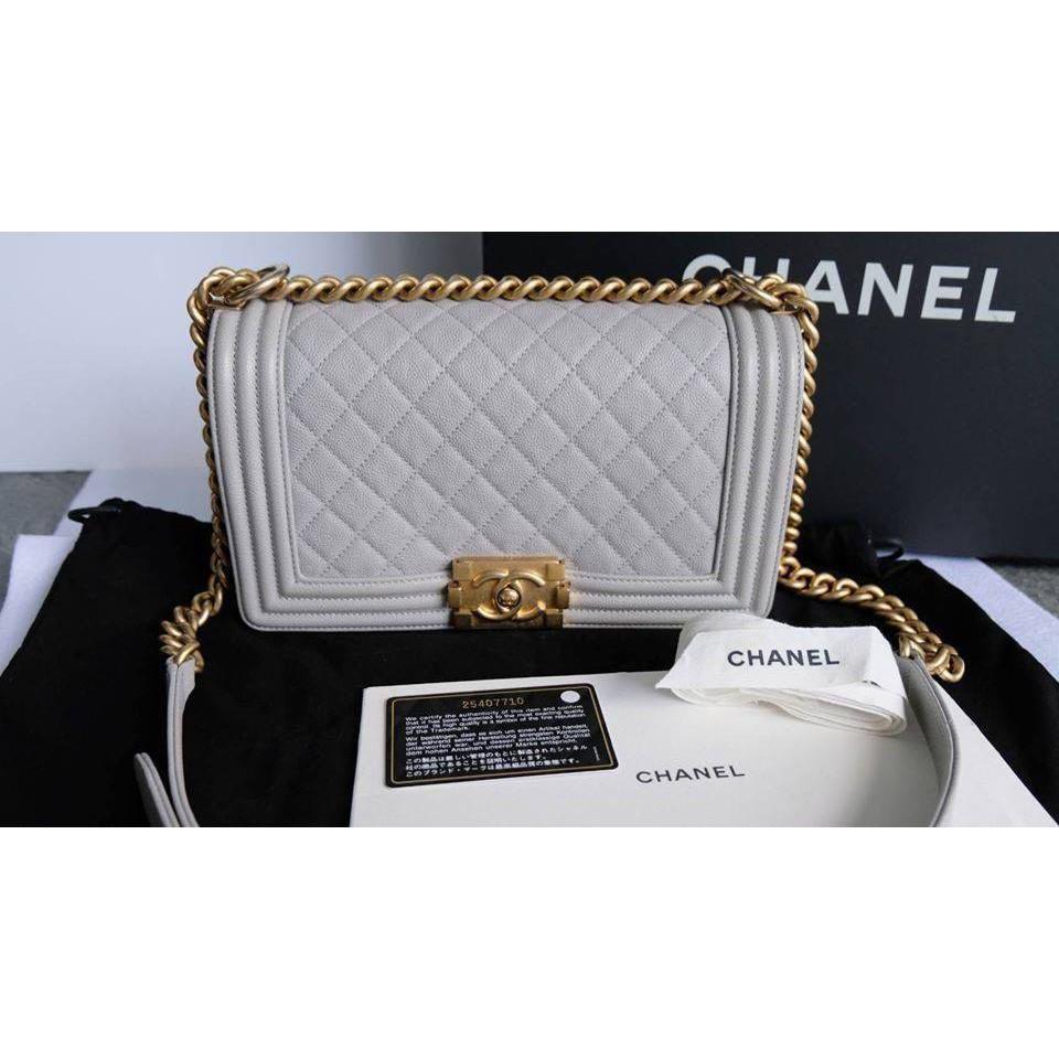ของแท้ 100% Used Chanel Boy 10 Caviar กระเป่าสะพาย