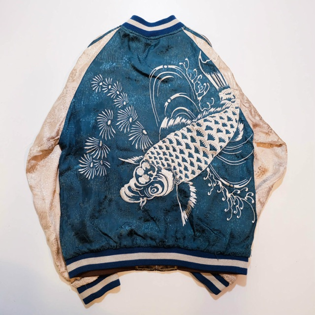 Sukajan jacket ปลาคราฟ&มังกร มือสอง size M (Hight 64.5cm width 52.5cm Arm top 62.5cm Arm bot 53cm)