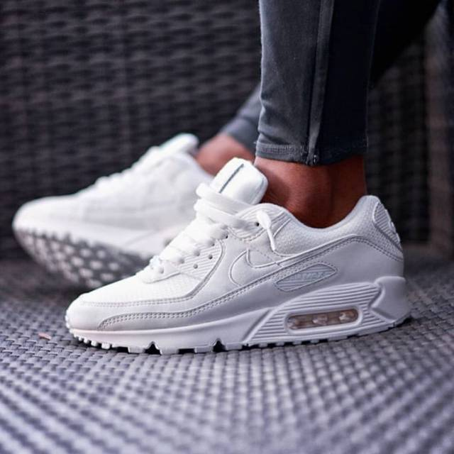 รองเท้าผ้าใบ Nike Airmax 90 สีขาว
