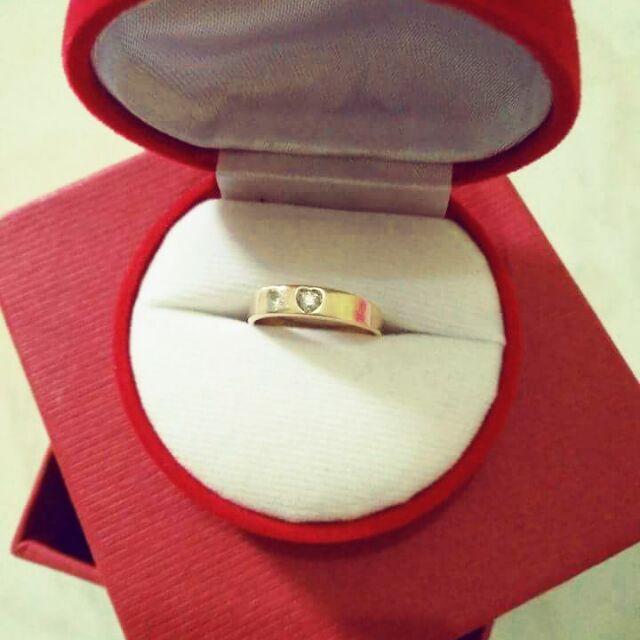 แหวนทอง 90% เพชรแท้ 5 ตัง น้ำ 97 นน. 2.1 กรัม ขนาด 49 ไฟดี สวย ราคา 3500 บาท ทักแชตก่อนสั่ง