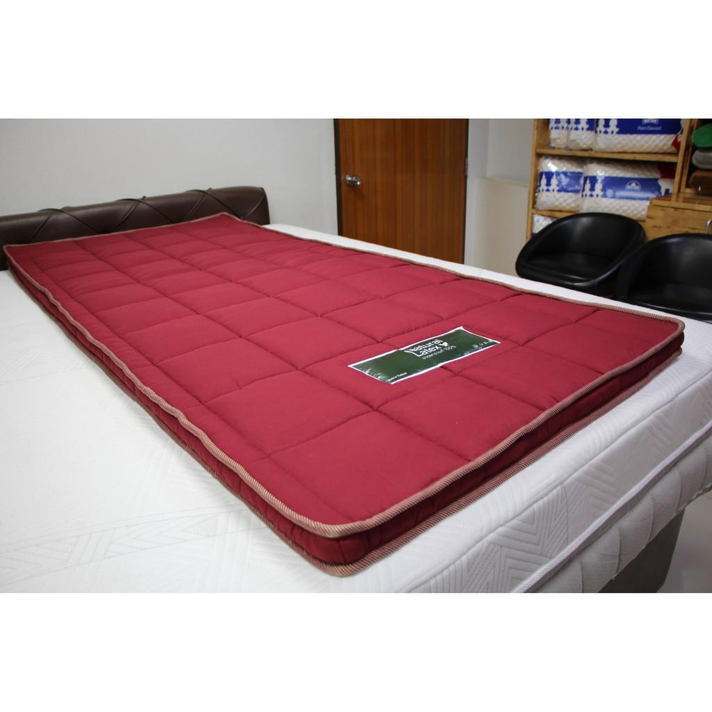 topper 5 ฟุต ที่นอน topper ที่นอนยางพาราอัดแท้ รุ่น RED-TOPPER ขนาด 3.5 ฟุตหนา 2นิ้ว ฟรีหมอน 1 ใบ ม้วนพับได้สะดวกต่อการพ