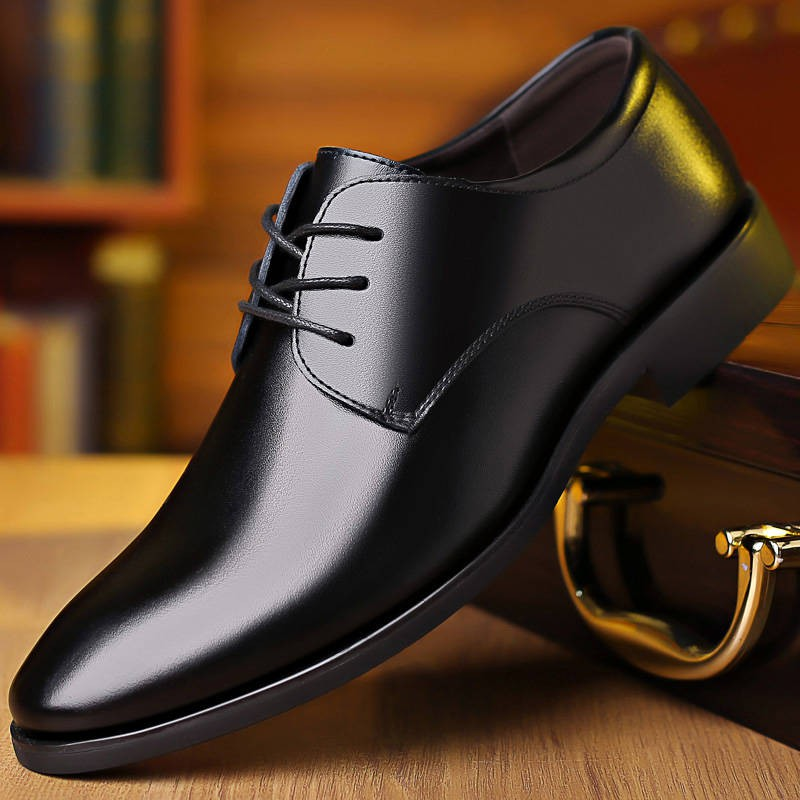 รองเท้าชาย รองเท้าคัชชูผู้ชาย รองเท้าหนังผู้ชายรองเท้าผู้ชายฤดูใบไม้ร่วงใหม่ชุดธุรกิจอังกฤษชี้รองเท้าทำงานสีดำสบาย ๆ เทร