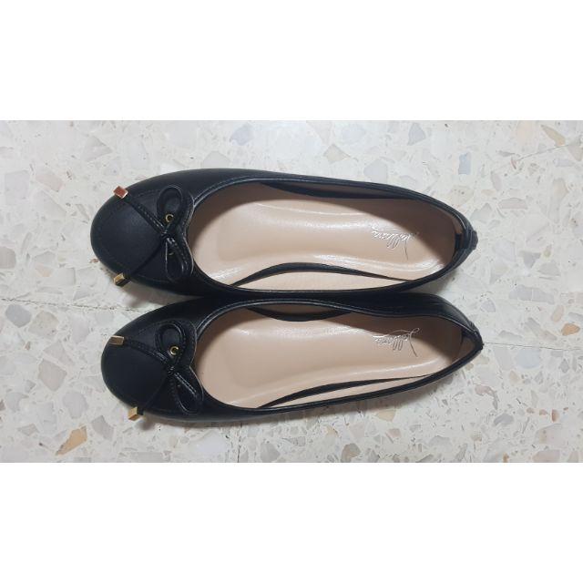 รองเท้าคัชชูสีดำ ทรงสวย