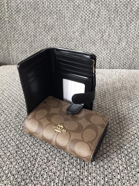 กระเป๋าสตางค์ COACH ใบสั้นแบบ 2 พับ