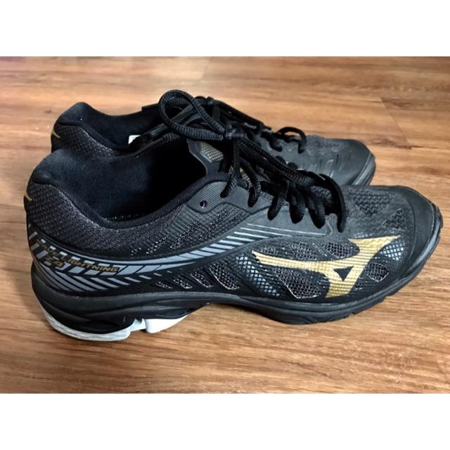 รองเท้ากีฬาวอลเลย์บอล mizuno มือ2 สภาพ 95%