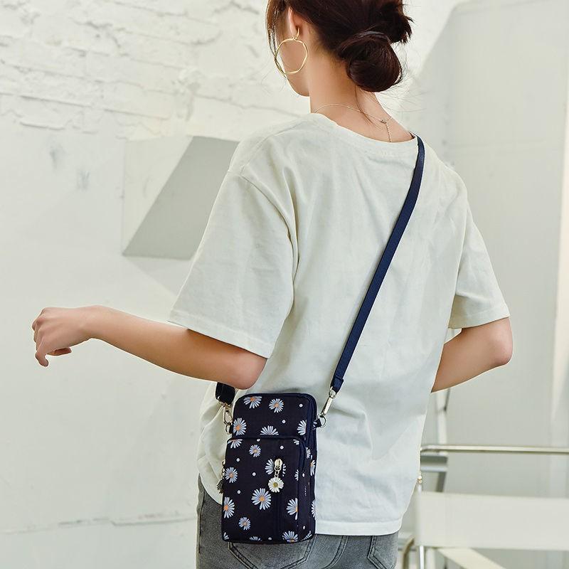 coach กระเป๋าคาดอกกระเป๋าสตางค์สุภาพสตร☃✧▫กระเป๋าใส่มือถือแบบใหม่กระเป๋า crossbody ผู้หญิงกระเป๋าใส่มือถือกระเป๋าผ้าห้อ