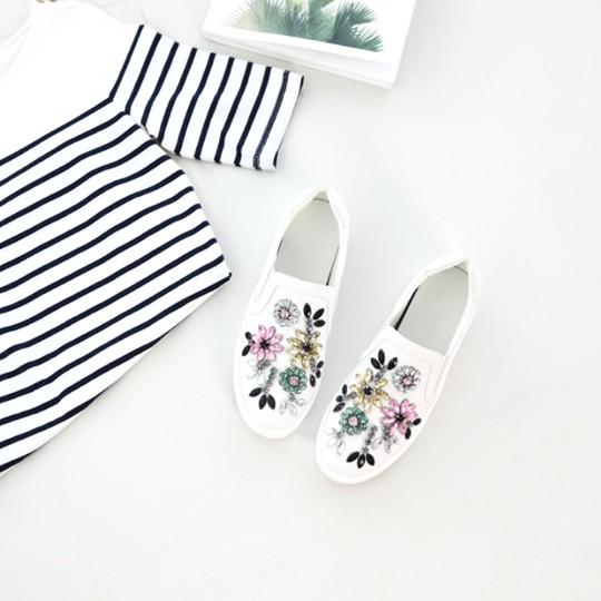 Annabella_officials พร้อมส่ง รองเท้าเกาหลี คัชชู รุ่น Sober White