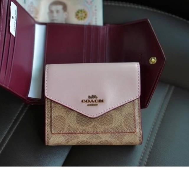 (ผ่อน0%) กระเป๋าสตางค์ 🎈Coach 31548 Colorblock Signature Canvas Small Wallet งานshop ลายซี สีชมพู ใบสั้น 3พับ