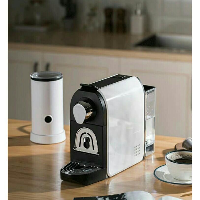 เครื่องทำแคปซูลเอสเปรสโซเครื่องชงกาแฟในครัวเรือนเครื่องทำฟองนมกึ่งอัตโนมัติขนาดเล็ก