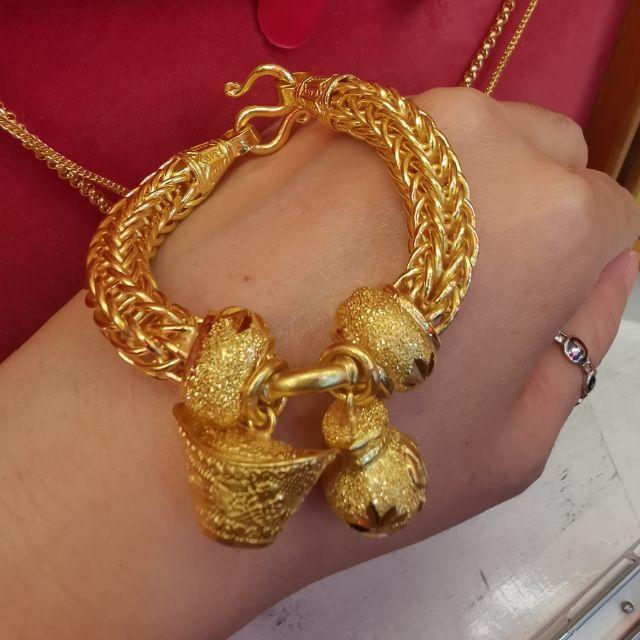 สร้อยมือทอง 96.5%  น้ำหนัก 5 บาท ยาว 18cm ราคา 148,700