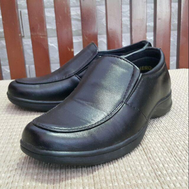 รองเท้าคัชชูเด็กชาย รองเท้าเดินแบบ มือสอง(ยังไม่เคยใช้งาน)