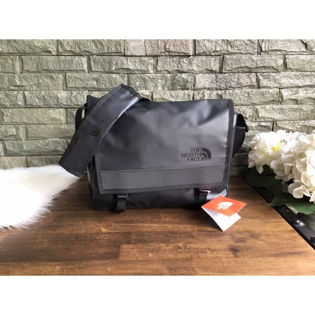double passage Suppression  The North Face 14L Base Camp Messenger Bag | Shopee Thailand