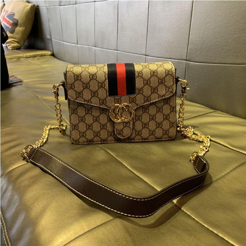 ♒➳กระเป๋ากระเป๋าเดินทาง  กระเป๋าเป้สะพายหลัง★★★❤🔥🔥 ฮ่องกงซื้อกระเป๋าหนังแท้2021แฟชั่นใหม่สายโซ่สีตัดกันกระเป๋าใบเล็กกร