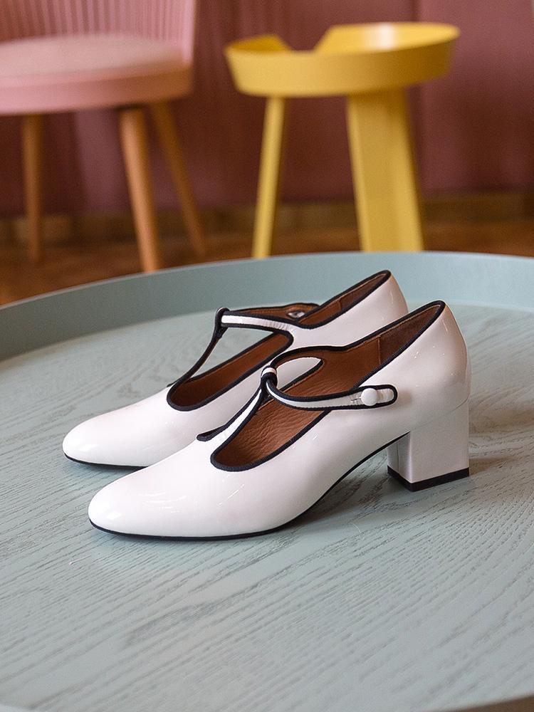 รองเท้าคัชชูหัวแหลมส้นสูง2020ใหม่Ding Wordหัวเข็มขัดส้นสูงแสดงป่าย้อนยุคแมรี่เจนรองเท้าผู้หญิงหัวกลมหนากับรองเท้าขนาดเล็