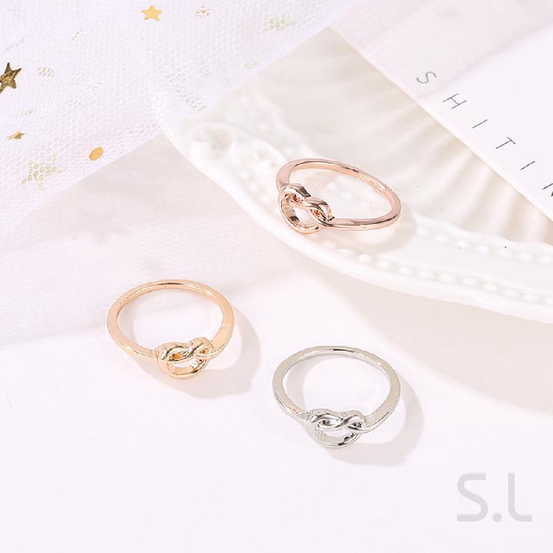 แหวนทองคำขาวดอกกุหลาบผู้หญิงเครื่องประดับทำด้วยมือที่สวยงาม 886