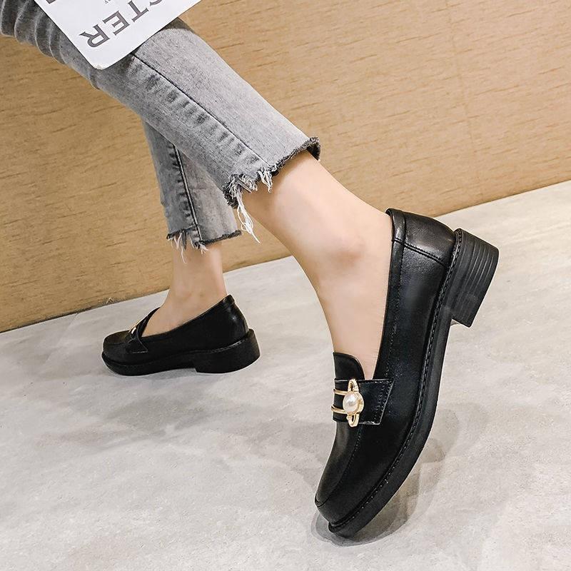 รองเท้าผู้หญิง ร้องเท้า รองเท้าคัชชู ❖意㝩㝩หนังนิ่มภาษาอังกฤษรองเท้าหนังขนาดเล็กหญิง 2021 ฤดูหนาวบวกกำมะหยี่สีดำทำงานรองเท