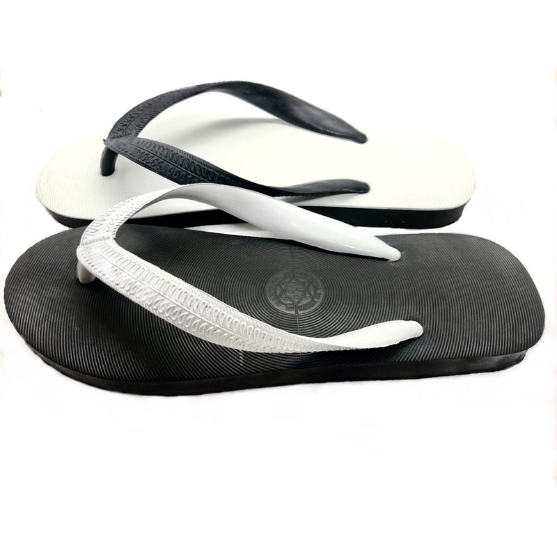 รองเท้ารัดส้น รองเท้าชาย รองเท้ารัดส้นผู้ชาย รองเท้าคัชชูผู้ชาย รองเท้าแตะ รองเท้าช้างดาวสลับสีดำ-ขาว