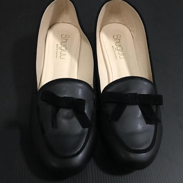 รองเท้าคัชชูสีดำ หนังนิ่ม ไซส์ 40