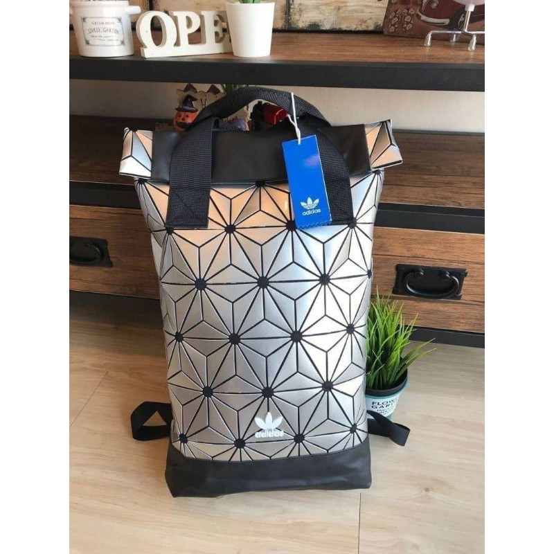 Adidas 3D Roll Top Backpackกระเป๋าเป้สะพายหลัง สีเงิน