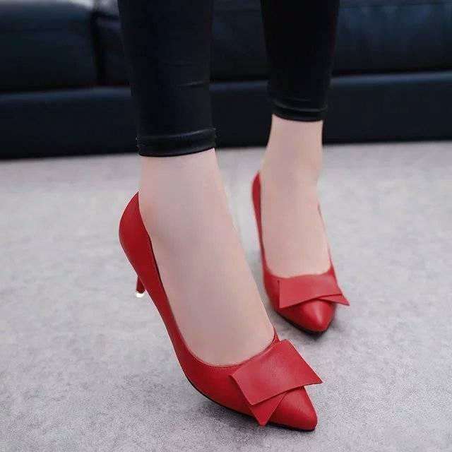 รองเท้าแตะแฟชั่นผู้หญิง✎✉☾คัชชูหัวแหลมส้นสูงผู้หญิง รองเท้าส้นสูงแฟชั่นขายดี รองเท้าคัชชูส้นสูง 2 นิ้ว *** ราคา 289 บาท