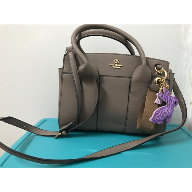 พร้อมส่ง🔗 กระเป๋า blue blossom สีน้ำตาล ของใหม่ ซื้อมายังไม่เคยใช้เลย งานดี หนังดีมากๆ