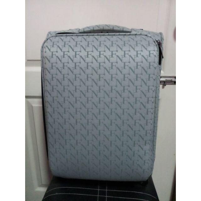 กระเป๋าเดินทาง ฟายนาวมือ2
