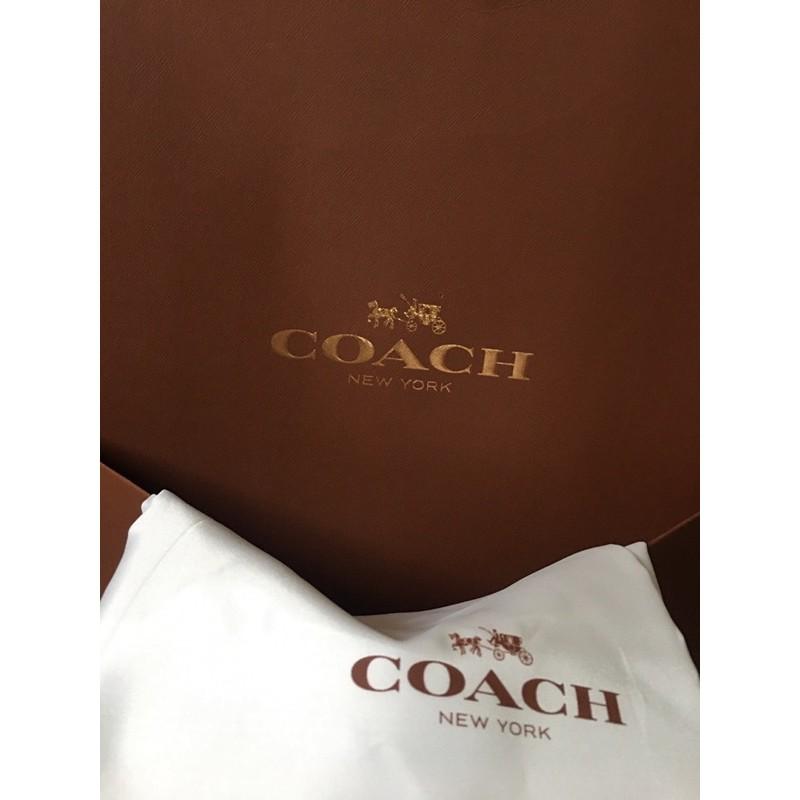 กล่องCOACHแท้ 100% ✨พร้อมถุงผ้า✨ (มือ2)ใส่กระเป๋าที่ซื้อมา ไม่เอากล่อง💕