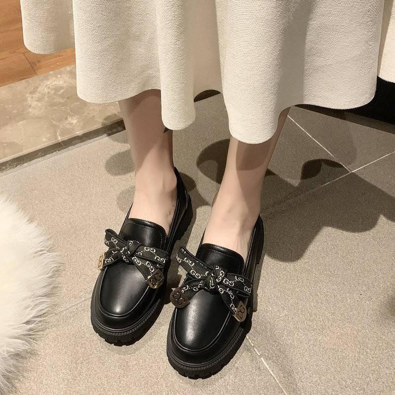 รองเท้าผู้หญิง รองเท้าคัชชู ✰หนังอังกฤษลมรองเท้าขนาดเล็กหญิง 2021 ฤดูใบไม้ผลิสีดำป่าหนังนิ่มฤดูใบไม้ผลิแบนกับถั่วรองเท้า