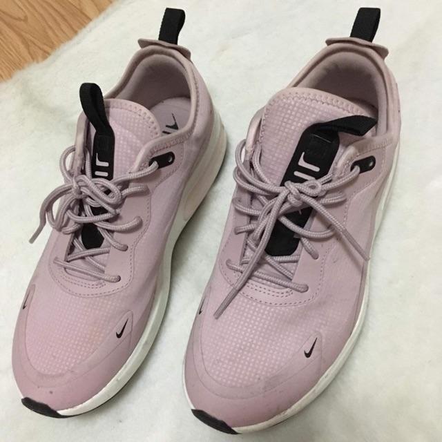รองเท้า Nike air max dia
