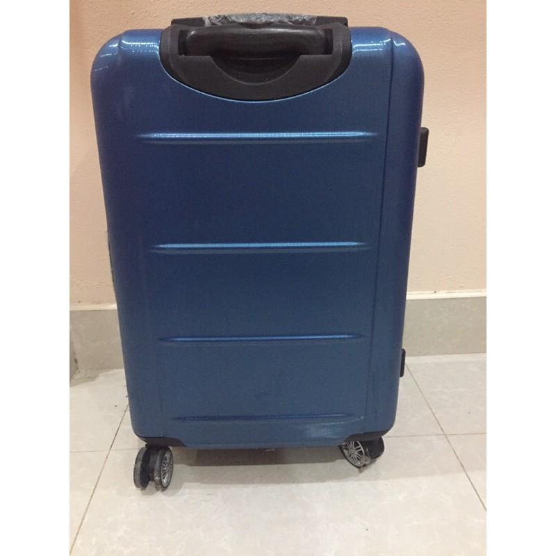 กระเป๋าลาก กระเป๋าล้อลาก กระเป๋าเดินทางล้อลาก กระเป๋าลากเดินทางมือสอง