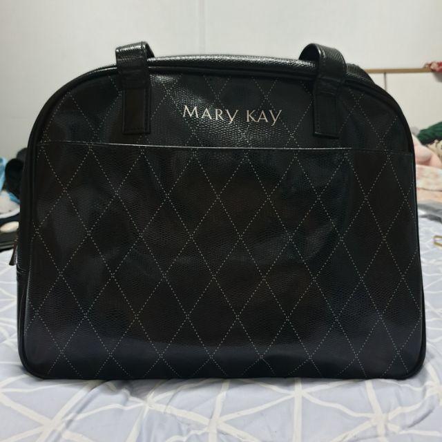 กระเป๋าเดินทางแบรนด์ MARY kEY 14 นิ้ว กว้าง 5 นิ้ว หนังแววลายคล้ายเกล็ดเดินทาง 1-2 วัน สภาพมือ1 ยังไม่ผ่านการใช้งาน