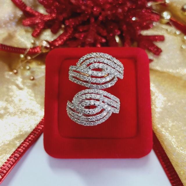 แหวน เพชร cz 6 แถว ชุบทองไมครอน และทองคำขาว ราคาพิเศษ