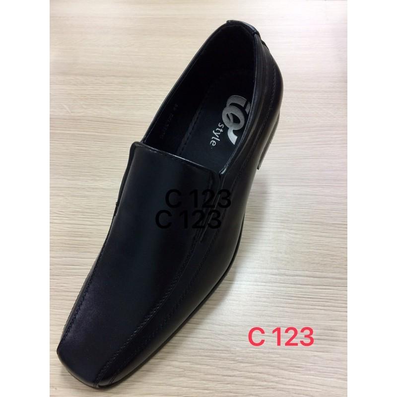 รองเท้าคัชชูผู้ชายสีดำ