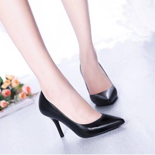 รองเท้าส้นสูงไซส์ใหญ่!รองเท้าคัชชู!รองเท้าส้นสูงมือสอง! Yunying Belle รองเท้าเดียวรองเท้ามืออาชีพรองเท้าหนังผู้หญิงรองเท้าส้นสูงกริชสีดำ