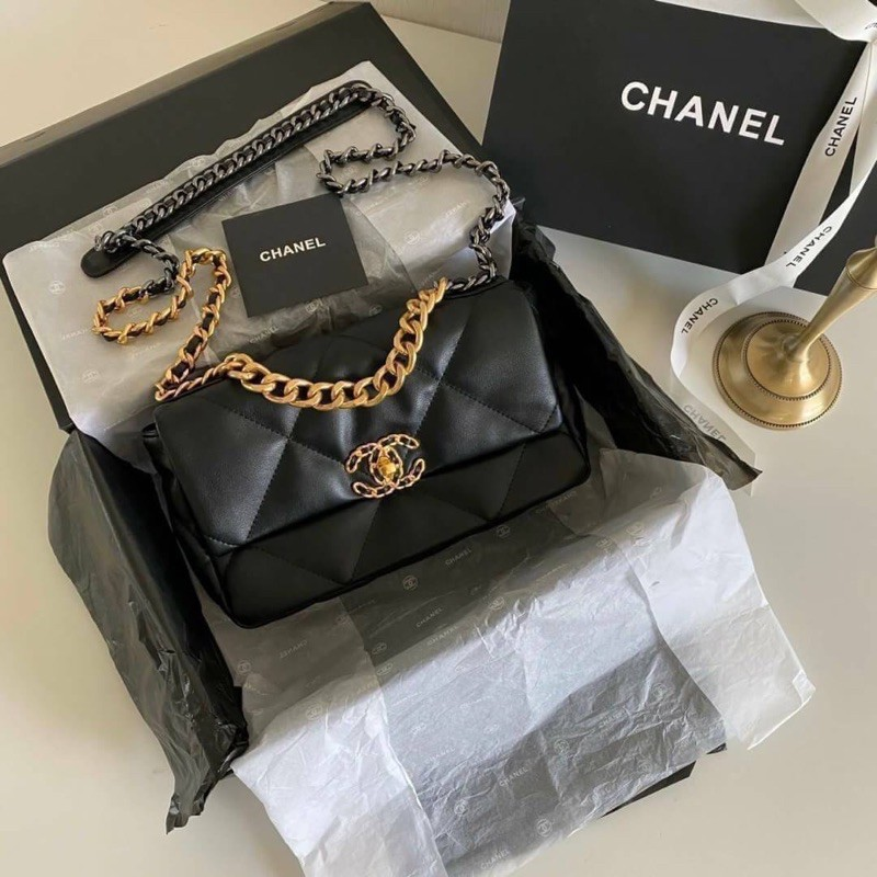NEW CHANEL 19 FLAP BAG SMALL