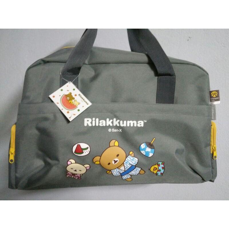 """🐻*่*Rilakkuma** กระเป๋าลายลิขสิทธิ์ Sanrio แท้ น่ารักมวากก """"( >~< )"""" สำหรับเดินทาง ใส่เสื้อผ้า เล่นฟิตเนส ใส่ของเด็กอ่อน"""