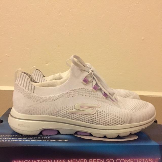 รองเท้าผู้หญิง Skechers go walk 5
