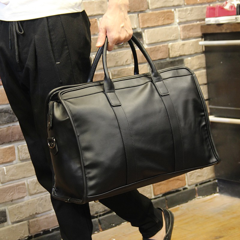 กระเป๋าเดินทางหนังขนาดใหญ่ 15 นิ้ว